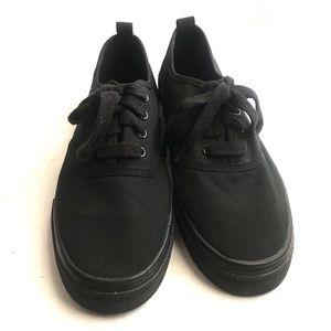 H&M | Black Sneakers